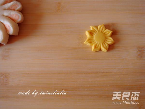 花样面食之花朵馒头的制作
