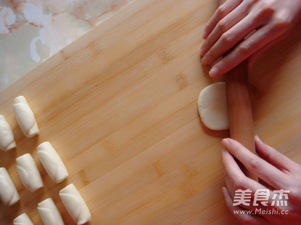 创意中式酥皮点心红梅报春的做法大全