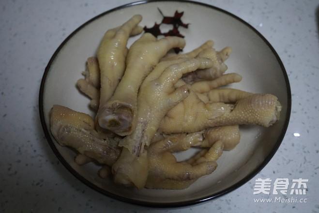 越吃越过瘾的泡椒凤爪的简单做法
