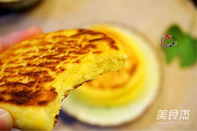 焦香玉米饼成品图