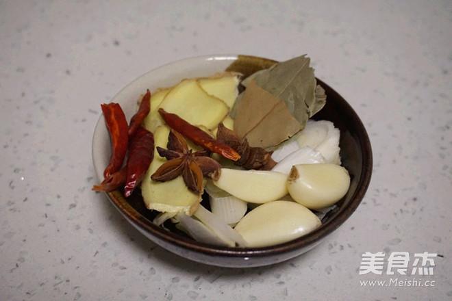 豇豆干炖肉的简单做法