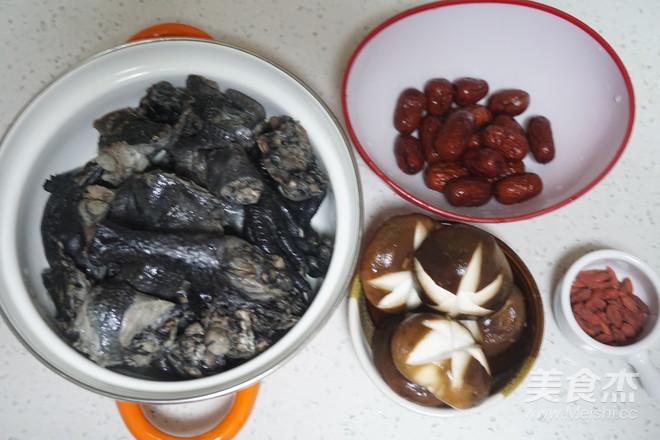 红枣枸杞乌鸡汤的家常做法