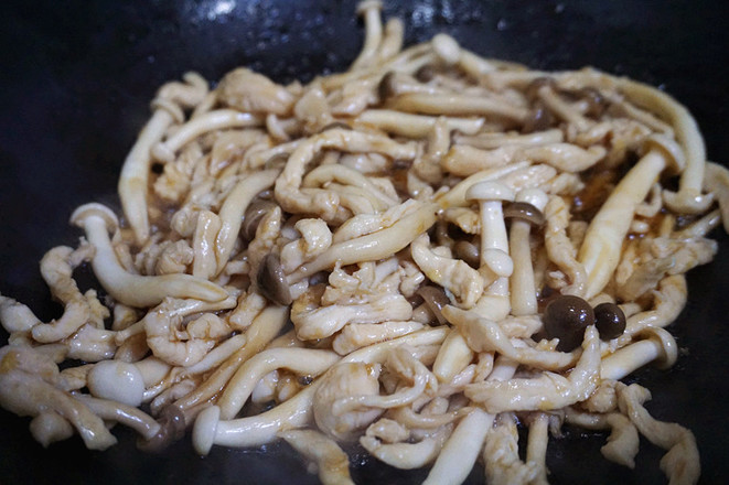 鸡丝滑子菇的步骤