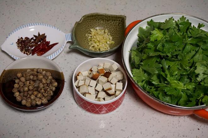 芹菜叶凉拌的步骤