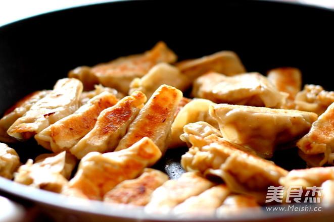 三鲜锅贴怎样炒