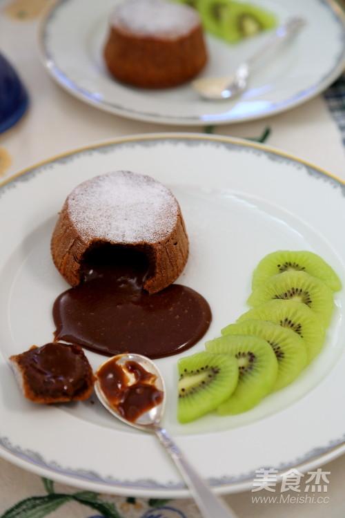 熔岩巧克力蛋糕成品图