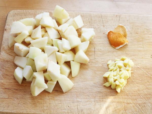 银耳陈皮生姜炖梨的步骤