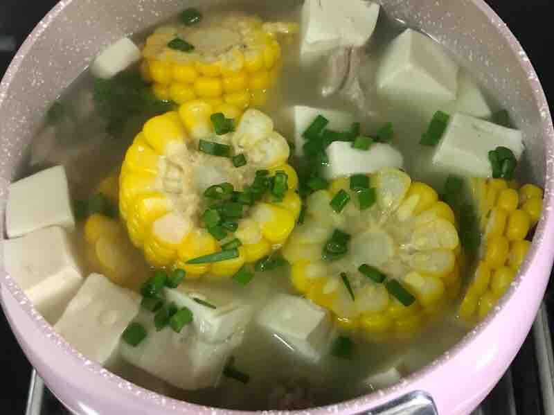 玉米豆腐排骨汤的简单做法