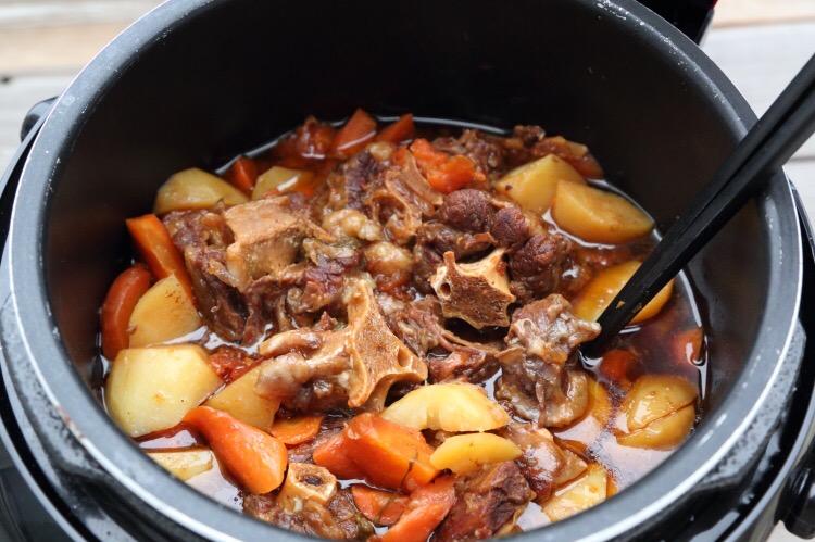 胡萝卜土豆炖牛肉怎么做