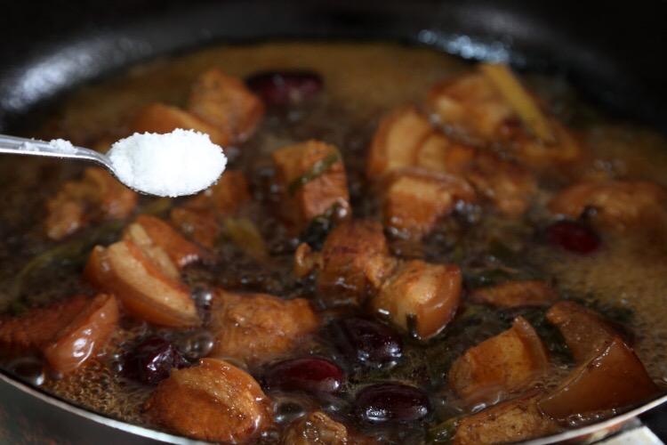 豆芽豆腐果烧五花肉的家常做法