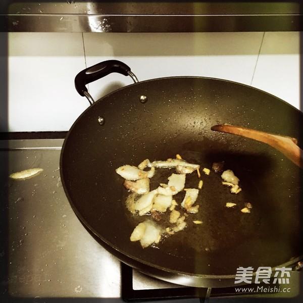 红薯粉炒肉怎么煸