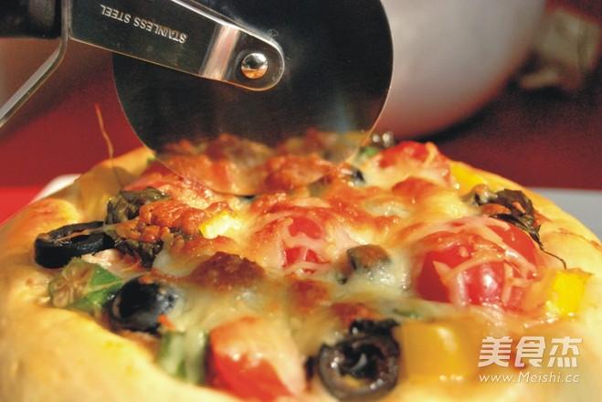 金枪鱼披萨成品图