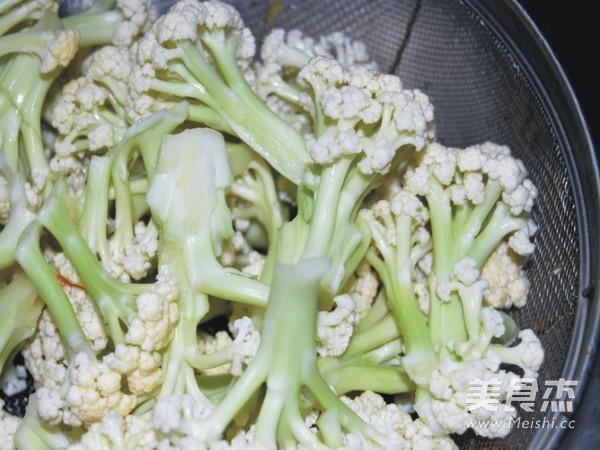 腊肉炒有机花菜的做法图解