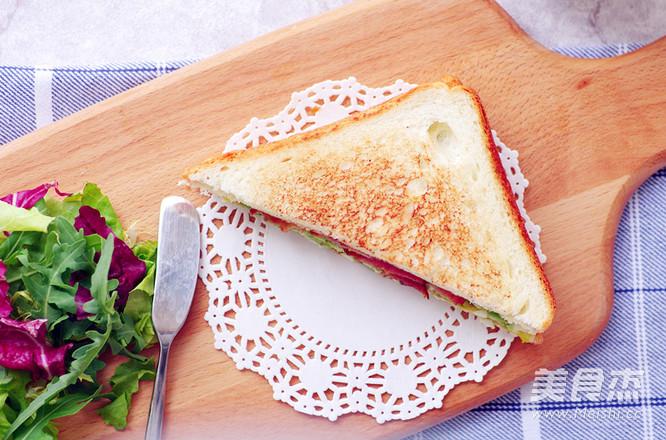 不用沙拉酱的牛油果培根三明治怎么炖