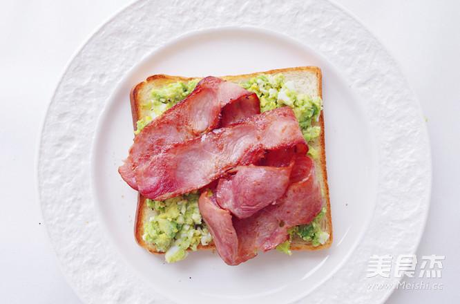 不用沙拉酱的牛油果培根三明治怎么煮