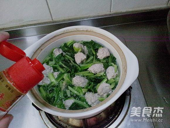 小白菜氽丸子怎样炒