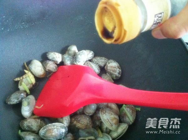 爆炒花蛤蜊的家常做法