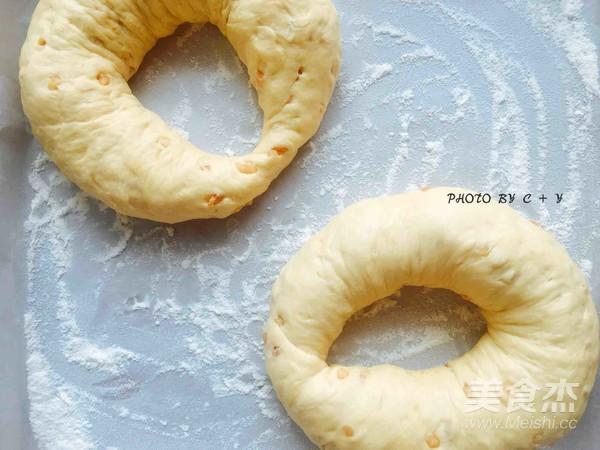 颗颗香浓花生粒入口的南瓜乳酪软欧包怎样炒