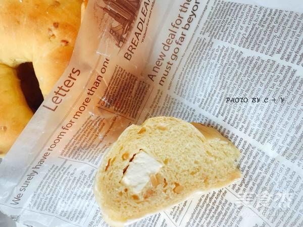 颗颗香浓花生粒入口的南瓜乳酪软欧包的制作