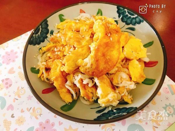 小盆友爱吃的银鱼炒蛋的制作