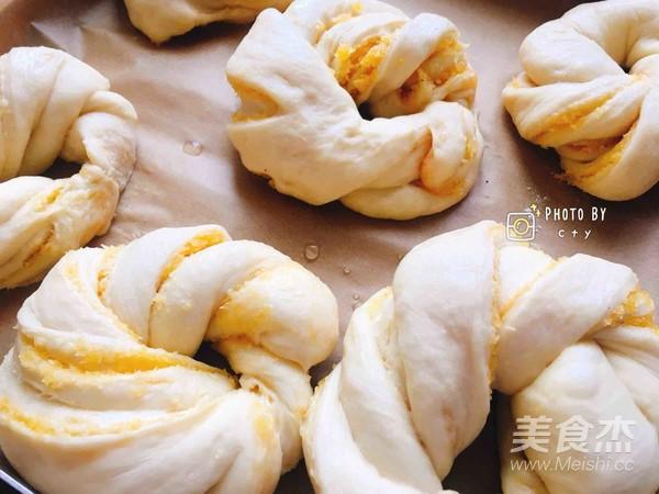 椰香四溢的软绵绵椰蓉面包的制作