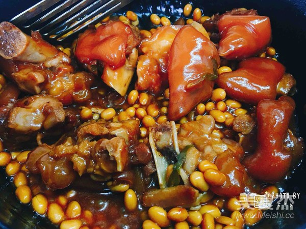 满满胶原蛋白的黄豆焖猪蹄的步骤
