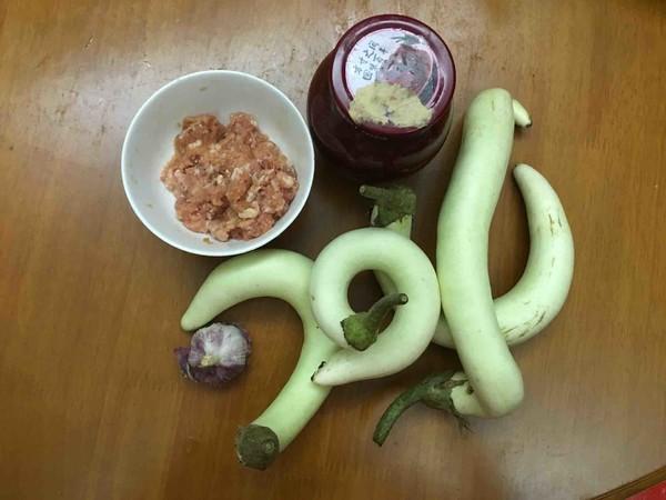红腐乳焖白茄子的做法大全