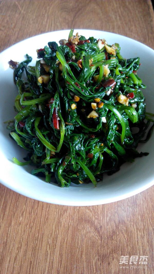 拌芹菜叶的简单做法