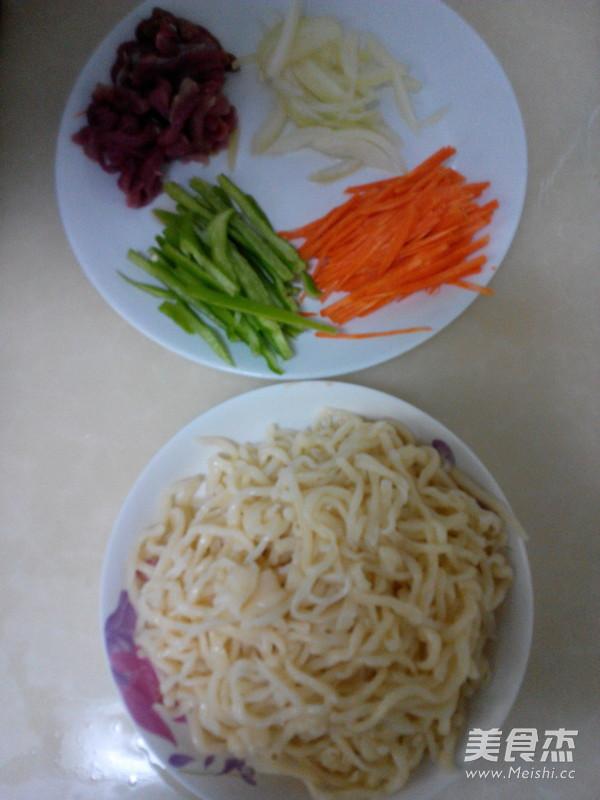 尖椒肉丝炒面的家常做法