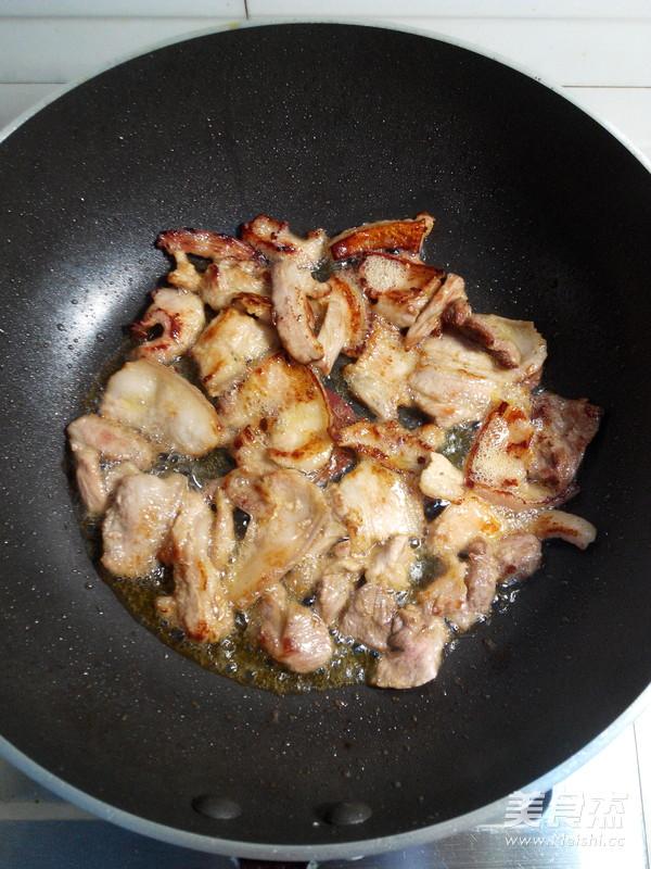 五花肉炒辣白菜的简单做法