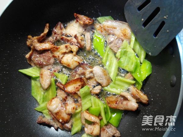 五花肉炒辣白菜怎么吃