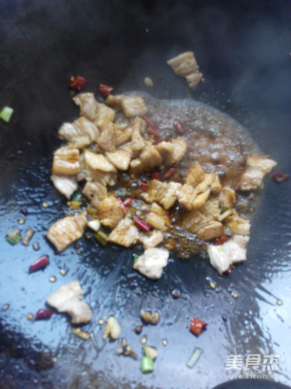 肉片炒黄豆芽怎么做