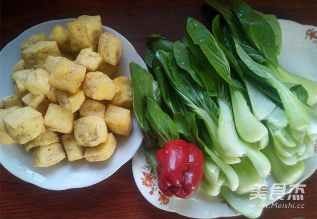 油菜炒豆腐泡的做法大全