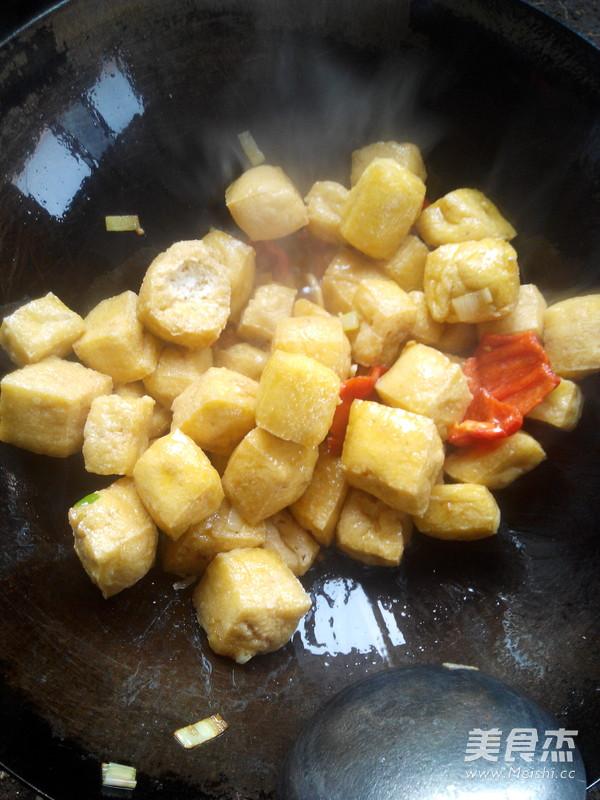 油菜炒豆腐泡怎么做