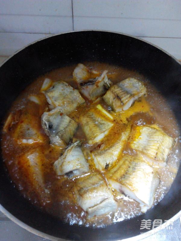 蒜蓉辣酱烧明太鱼的简单做法