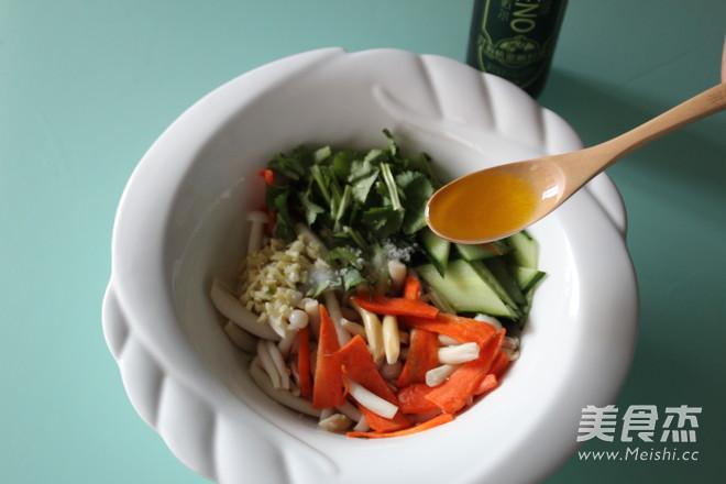 白玉菇拌黄瓜怎么吃