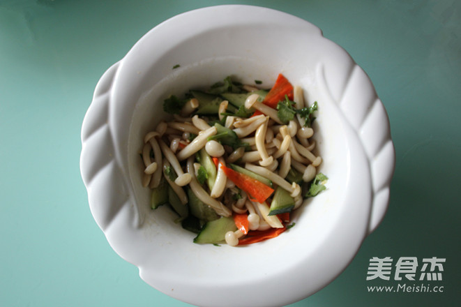 白玉菇拌黄瓜怎么做