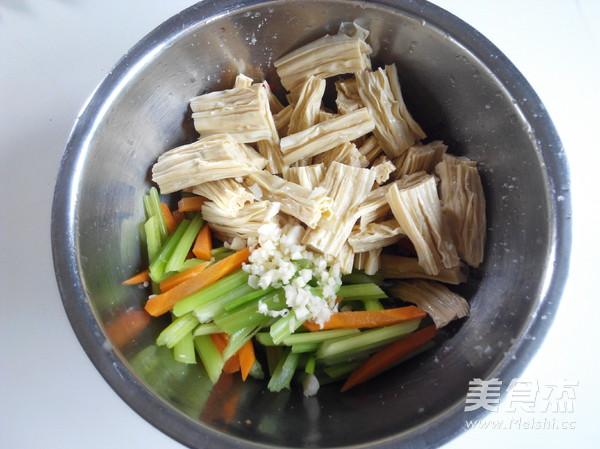 腐竹拌芹菜怎么炒