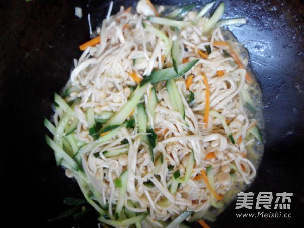 素炒金针菇怎么吃
