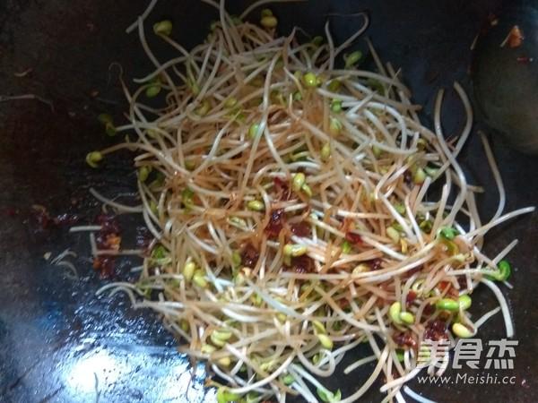 辣炒黄豆芽的简单做法