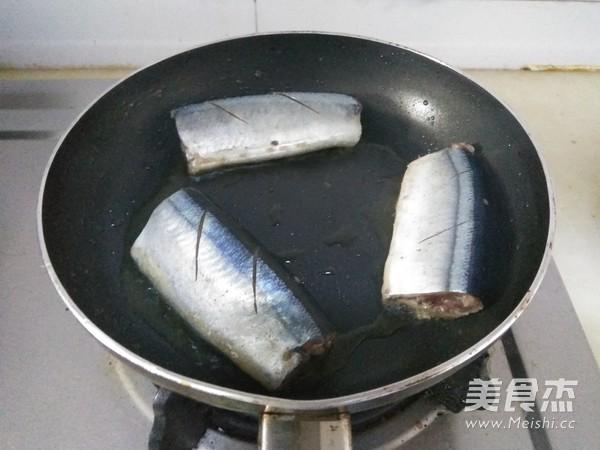 香煎秋刀鱼的简单做法