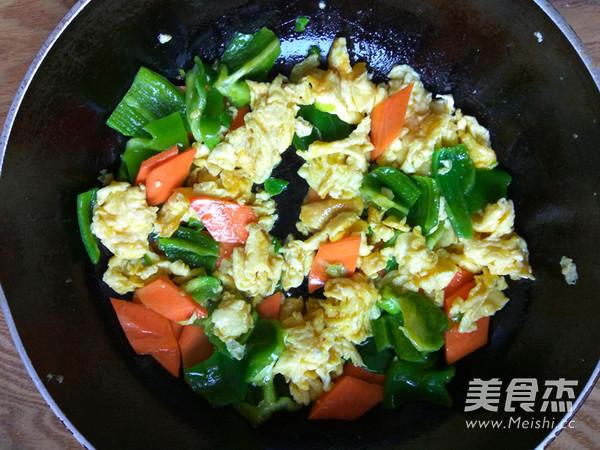 青椒胡萝卜炒鸡蛋怎么炒