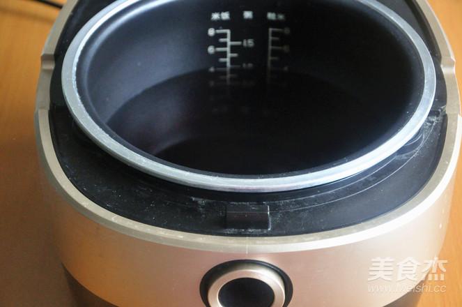 红糖红枣黑米粥的家常做法