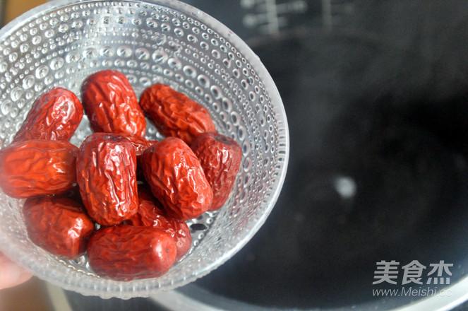红糖红枣黑米粥的简单做法
