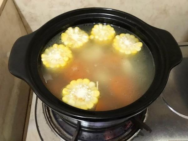 玉米红萝卜排骨汤怎么做