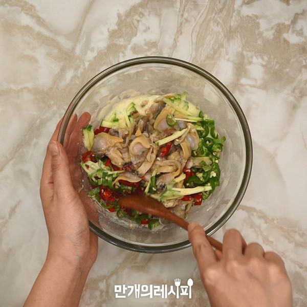 西葫芦蛤蜊煎饼的家常做法