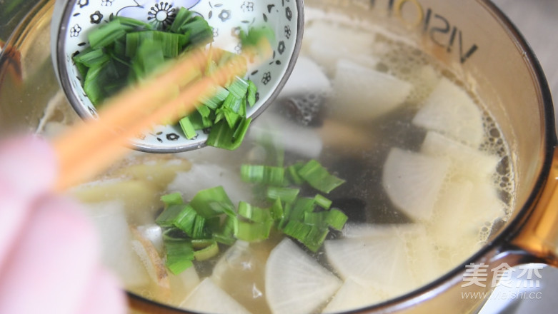 排骨萝卜汤成品图