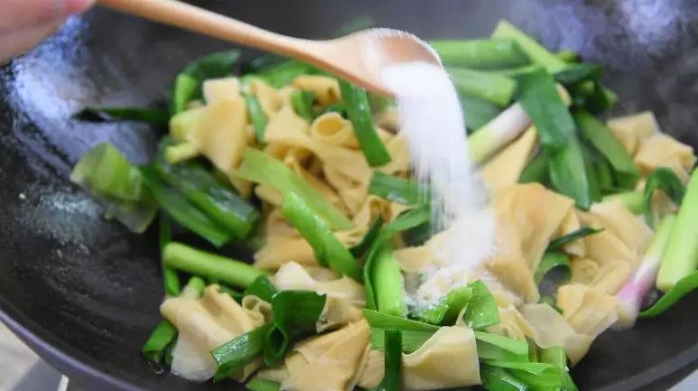 百叶炒青蒜怎么煮