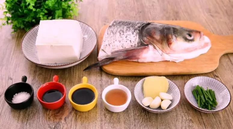 刷锅鱼头豆腐汤的做法大全