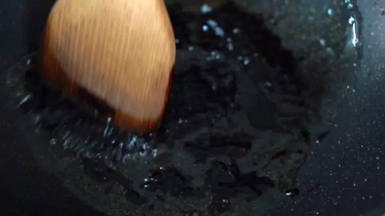 酱爆鸡丁怎么吃